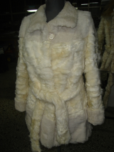 White vest from baby-lamb paws and sheered rex Νο 44 370$